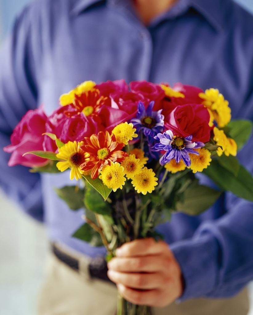 Почему-принято-дарить-цветы