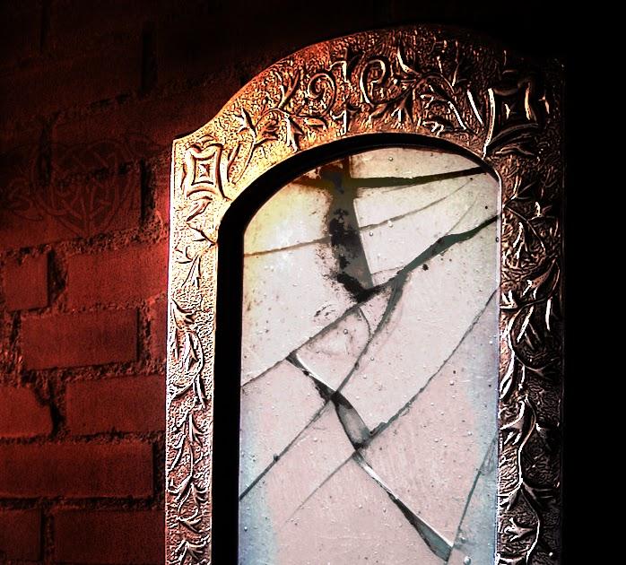 Почему-нельзя-смотреть-в- разбитое-зеркало