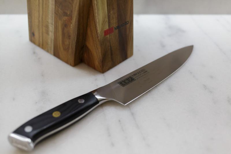 Почему-говорят-что-нельзя-оставлять-нож-на-столе